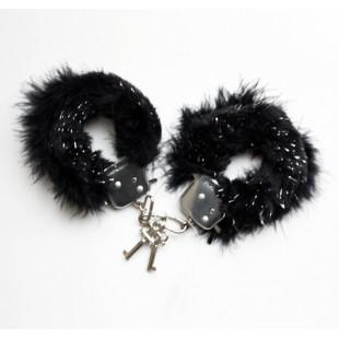 menotte-fourrure-noire