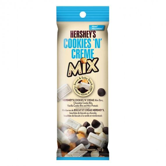 Hershey's Cookies'n'Creme Snack Mix